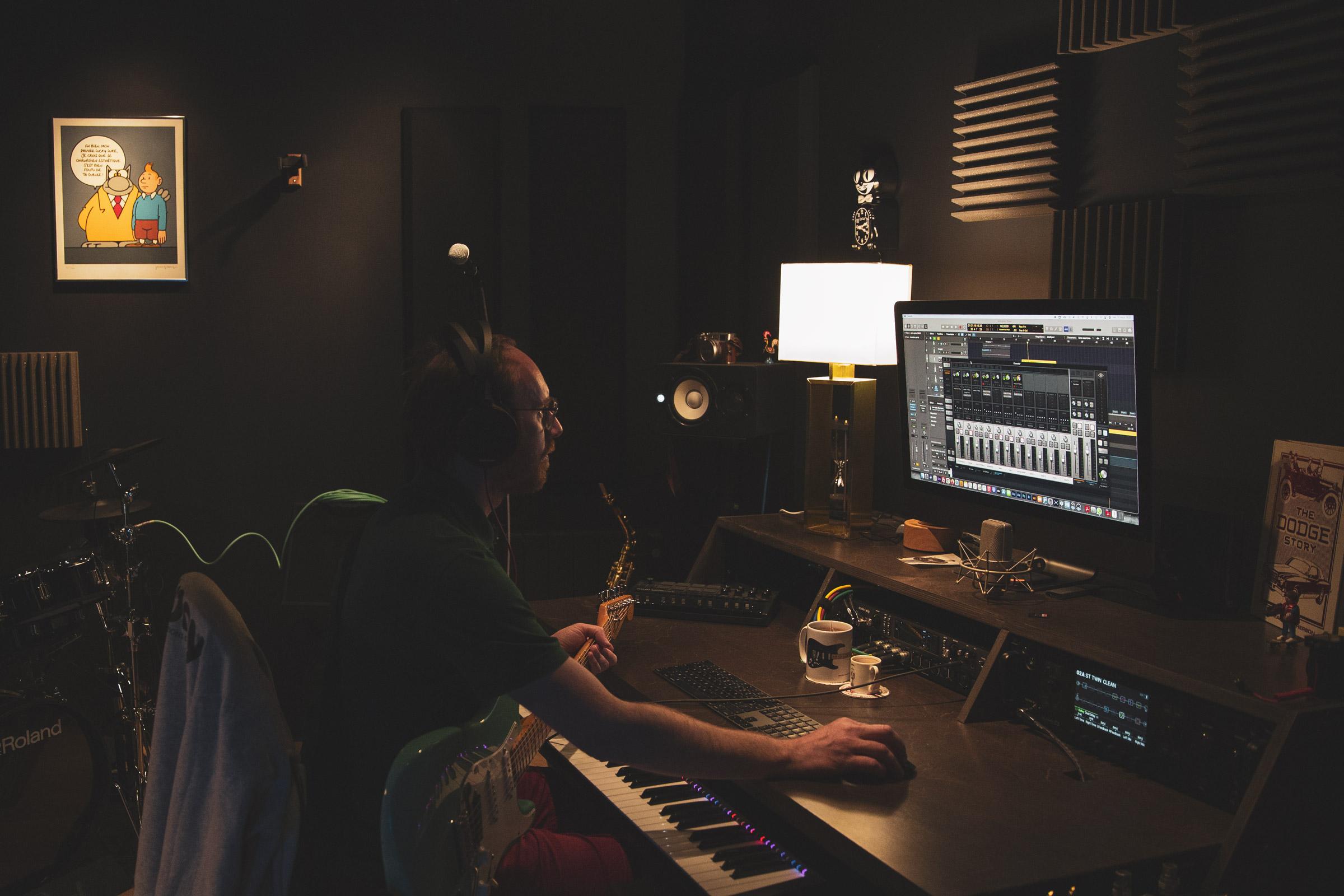 Jérôme THIERRY au travail au black studio