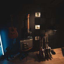 Quelques guitares électriques et acoustiques